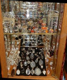 Gemstone Pendants & Necklaces